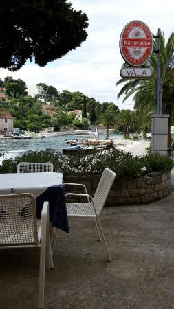 Splitska, Croacia: Restoran Vala
