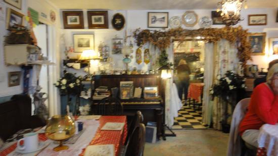 Miss Molly's Tea Room