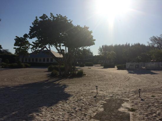 Island Inn: photo1.jpg
