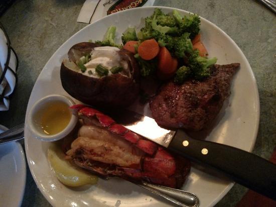 Mcgrath 39 s fish house salem omd men om restauranger for Mcgrath s fish house coupons