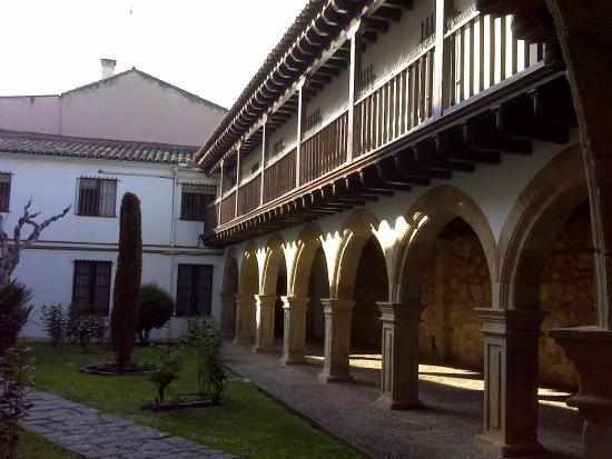 Claustro - Picture of Convento de las Duenas, Salamanca ...
