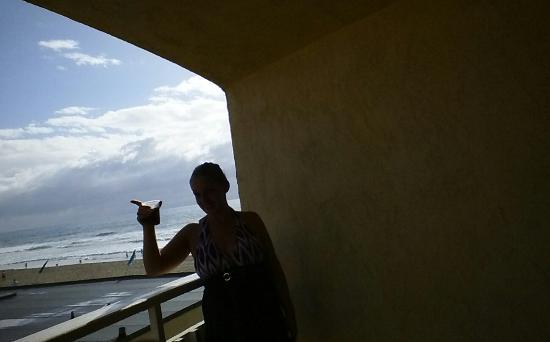 Blue Sea Beach Hotel: Side balcony still had view....