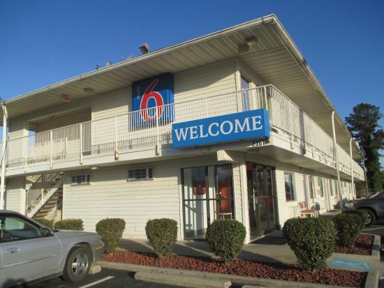 Motel 6 Lumberton : Entrance
