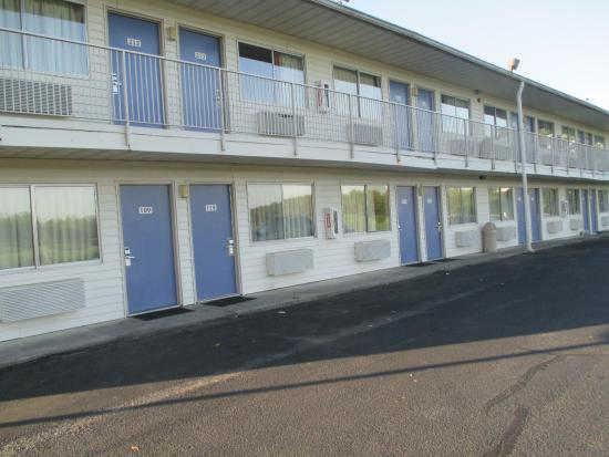 Motel 6 Lumberton Photo