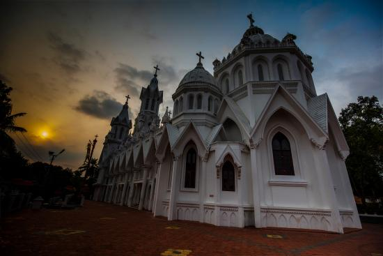 St.George Orthodox Church (Chandanapally Valiyapalli )