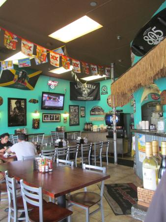 Hoagies Sandwiches & Grill: Such a fun place