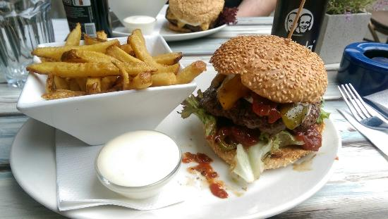 Burgerie: IMAG1925_large.jpg