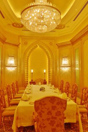 esszimmer in der palastsuite ohne fenster - picture of emirates, Esszimmer dekoo