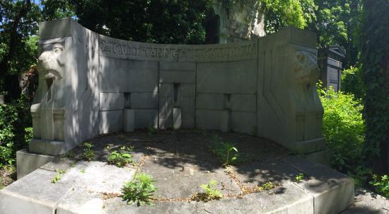 Kozma Cemetery: tomb