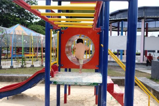 Pandan Alas Park: Playground di Taman Pandan Alas