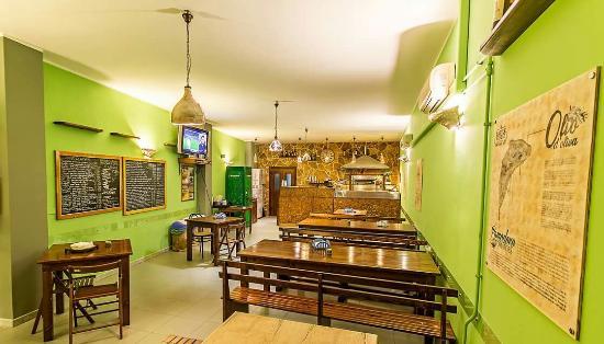 Acquarica di Lecce, Italia: Pizzeria Castle Street
