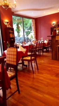 D. 31 Das Restaurant