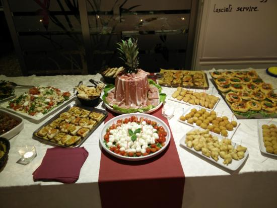 Preferenza buffet per feste - Foto di Dilemma Ristopub Pizzeria, Aversa  RN11