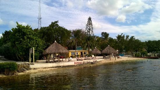 Gambar Sunset Cove Beach Resort