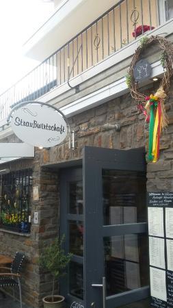 Bullay, Germany: Weingut  Amlinger Schardt