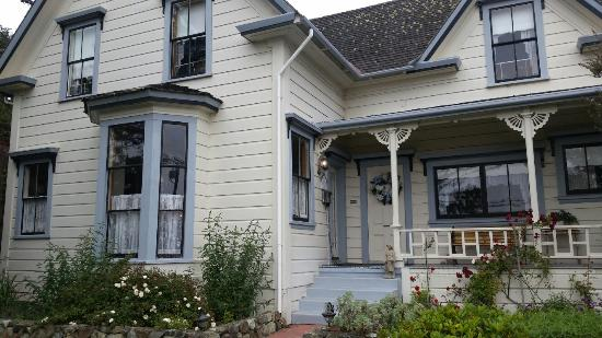 Dennen's Victorian Farmhouse: 20160514_163125_large.jpg