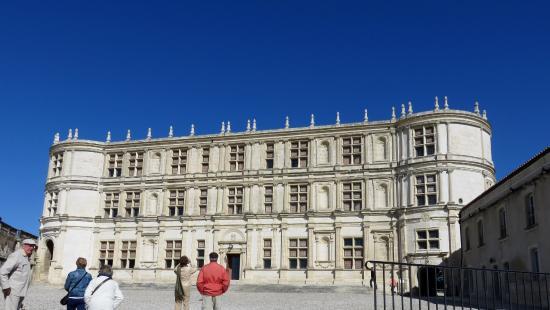 Гриньян, Франция: Entrée au château par la terrasse