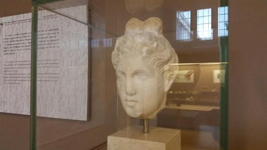 Attica, Grecia: Museum with the marble children sculptures first time saw in Greece