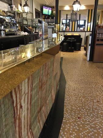 Cafe Le Matin