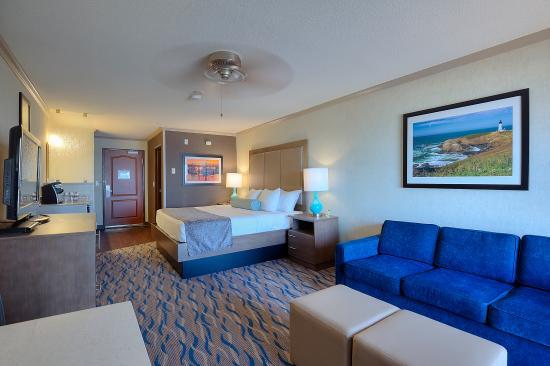 Elizabeth Oceanfront Suites: King Room