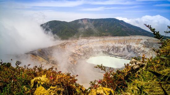 Poas Volcano National Park, Kostaryka: Cráter principal