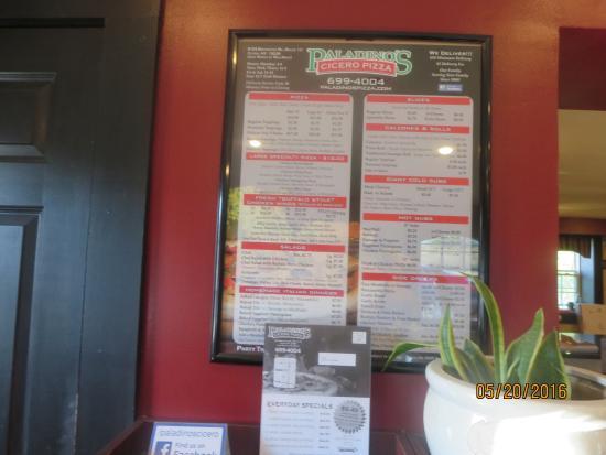 Paladino's Cicero Pizza: inside
