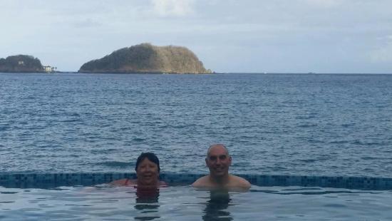 Speyside, Tobago: Infinity pool