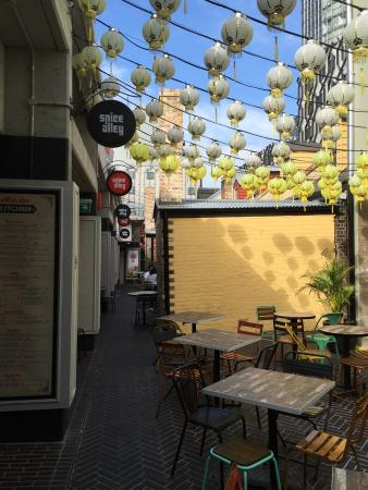 Spice Alley: Fabulous use of space.