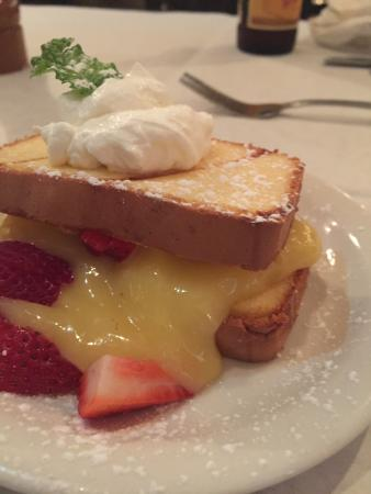 Liberty Hall: Toasted pound cake with lemon curd, whip cream and strawberries!!! Outstanding