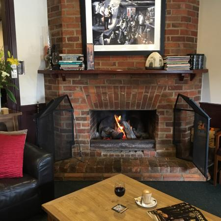 The Northo - North Eastern Hotel: Wine or coffee by the fire?