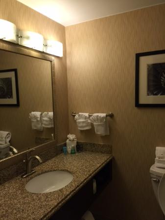 Crowne Plaza Boston Woburn: Bathroom at Crowne Plaza
