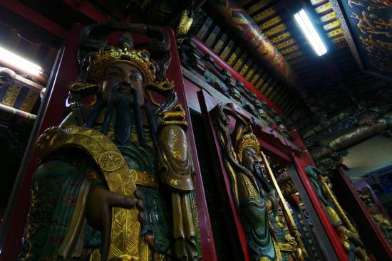 Fengyuan Tzu Chi Temple