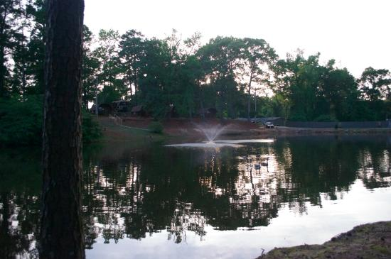 Forsyth, GA: The pond on the campground