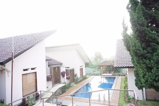 Omah Angkul-Angkul Villa