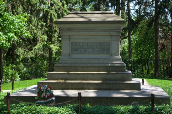 Fremont, OH: The tomb of President Hayes and his wife.