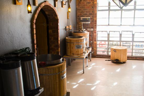 Storms River, Sudáfrica: The brewery.