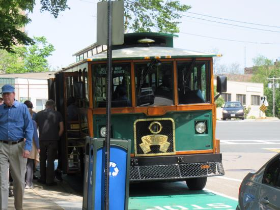 Quincy, Массачусетс: Trolley for Adams National Historic Park
