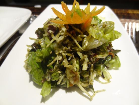 Burma Burma Restaurant & Tea Room: Mandalay Laphet Thoke (Tea leaf salad)