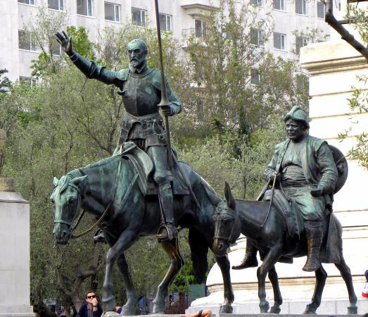 Don Quijote Und Sancho Panza Bild Von Monumento Cervantes Madrid