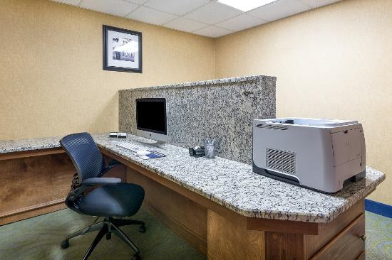 Hampton Inn and Suites Florence-Civic Center: Business Center
