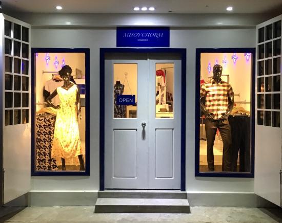 Muoy Chorm Fashion Designer