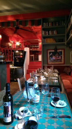 La Tienda: We sat jut inside the door looking through the restaurant