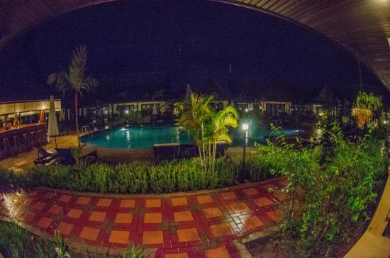 Airport Resort & Spa Photo