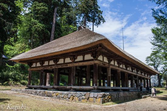 Shingu Kumano Shrine Nagatoko: 青空に映える長床