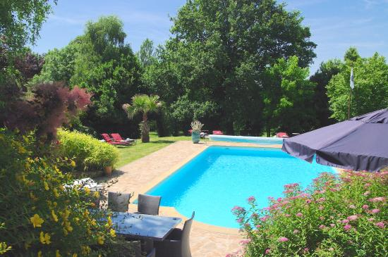 Saint-Brice, France : piscine