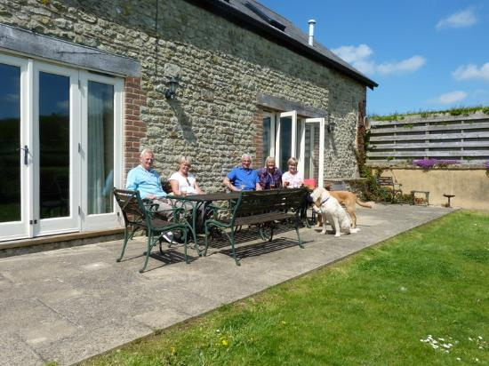 Cerne Abbas, UK: Enclosed garden great for pets and children
