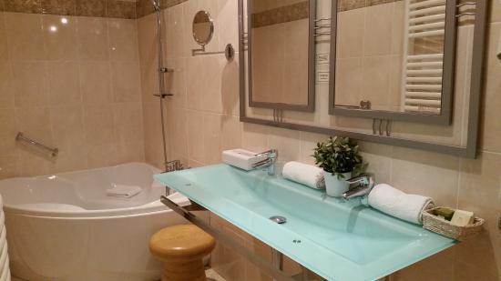 Thury-Harcourt, Francja: salle de bain