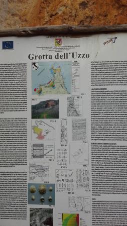 Zingaro Nature Reserve: cartello Grotta dell' Uzzo