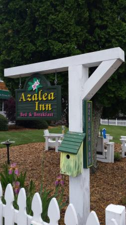 Azalea Inn Bed and Breakfast: Wonderful visit to the Elk Suite! Great Innkeeper duo. Would return.