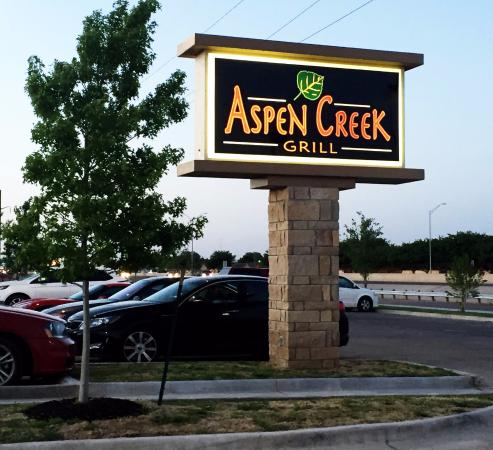 Aspen Creek Is Bright Cheerful And Tastefully Decorated